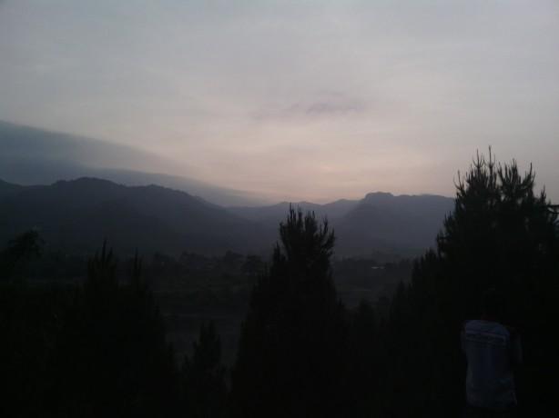 matahari terbitnya malu-malu