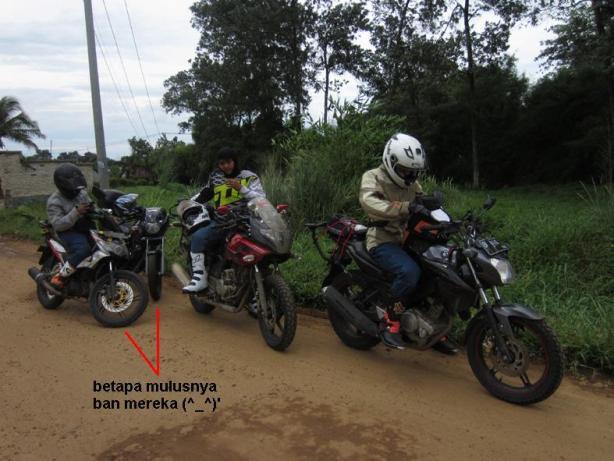 4 peserta, 4 motor berbeda, 1 tujuan...